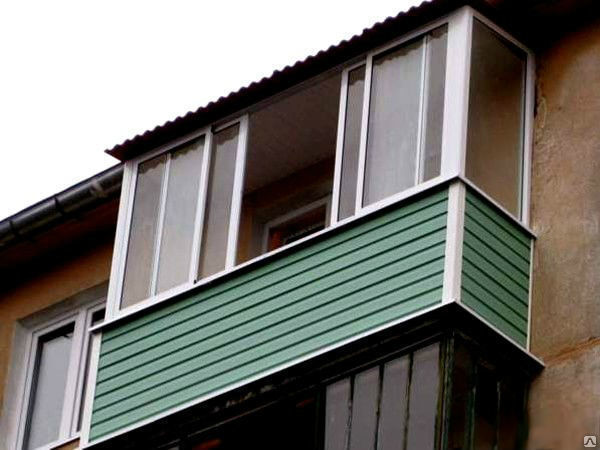 В оренбурге 50-летняя женщина упала с пятого этажа и осталас.